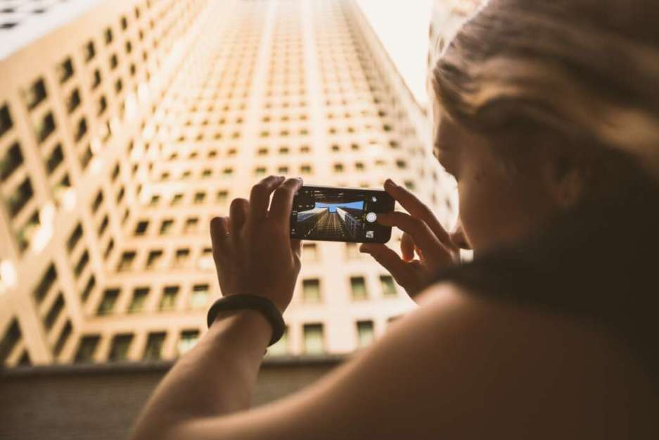 11 Things We Fake In Our Social Media Lives