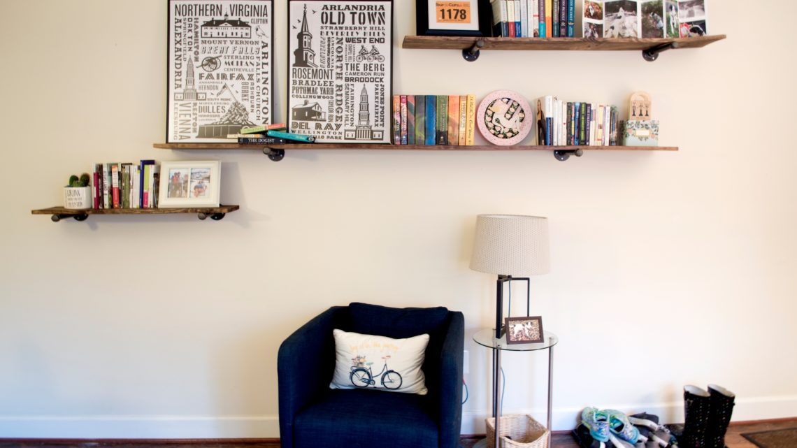 DIY-Industrial-Floating-Shelves-Feature