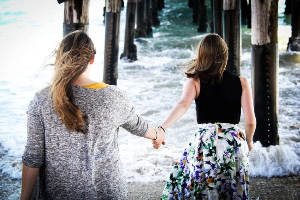 7 Tips for Building Stronger Friendships