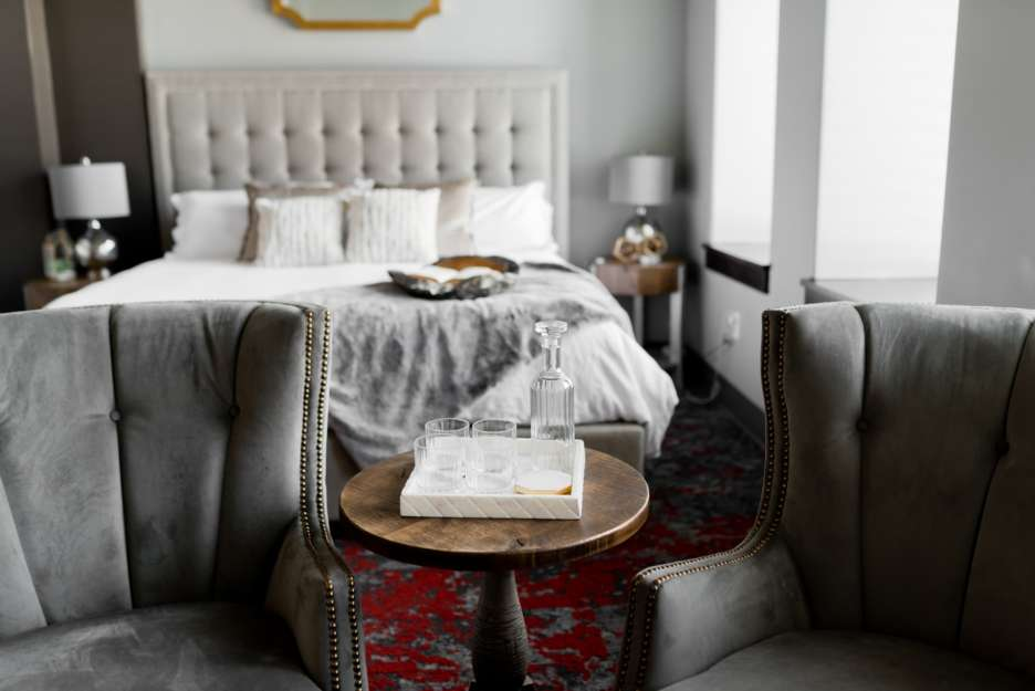 4 Luxury Home Decor Ideas For Spicing up Your Bedroom on a Budget