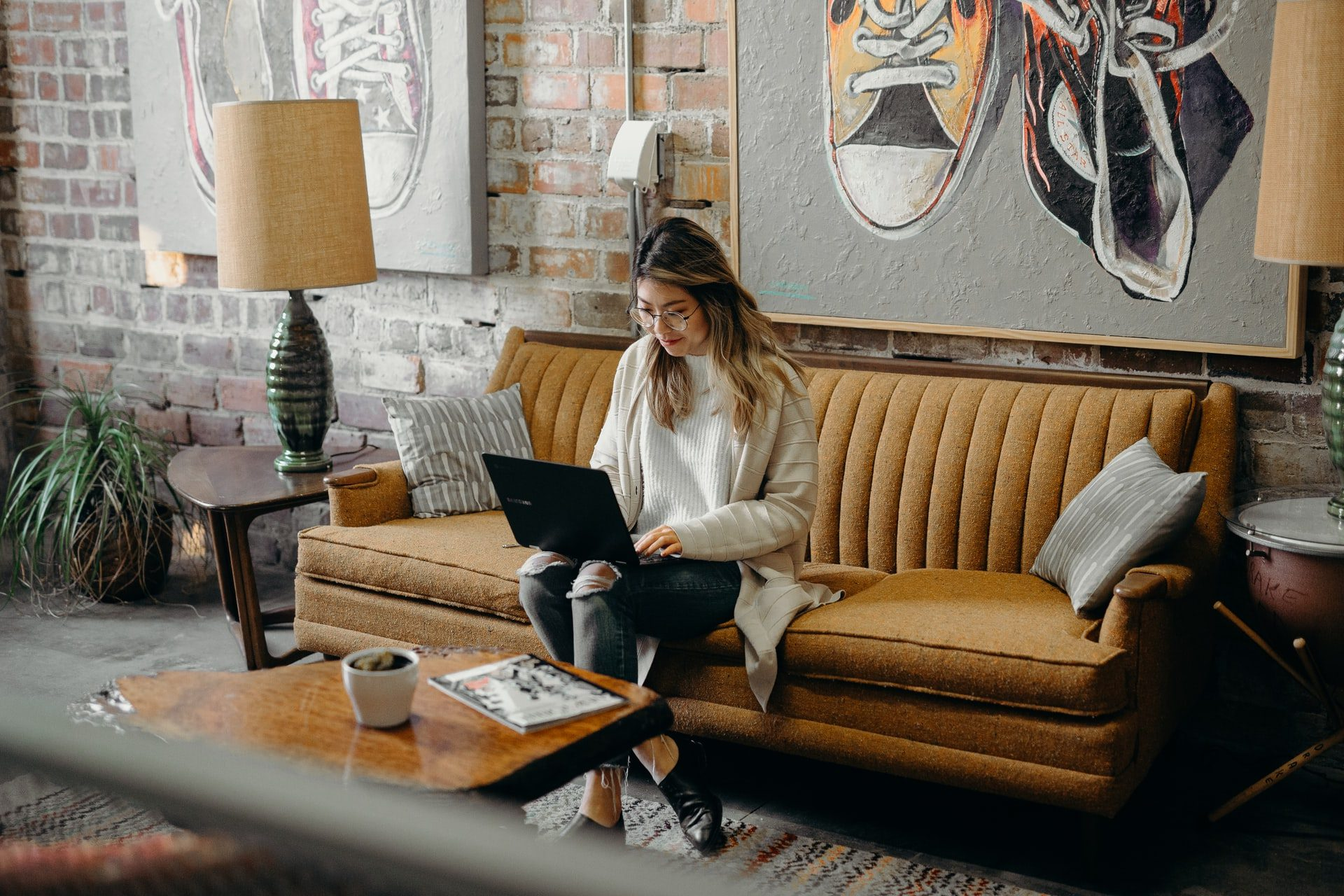 5 Side Hustles for Busy Women Looking to Make Extra Cash